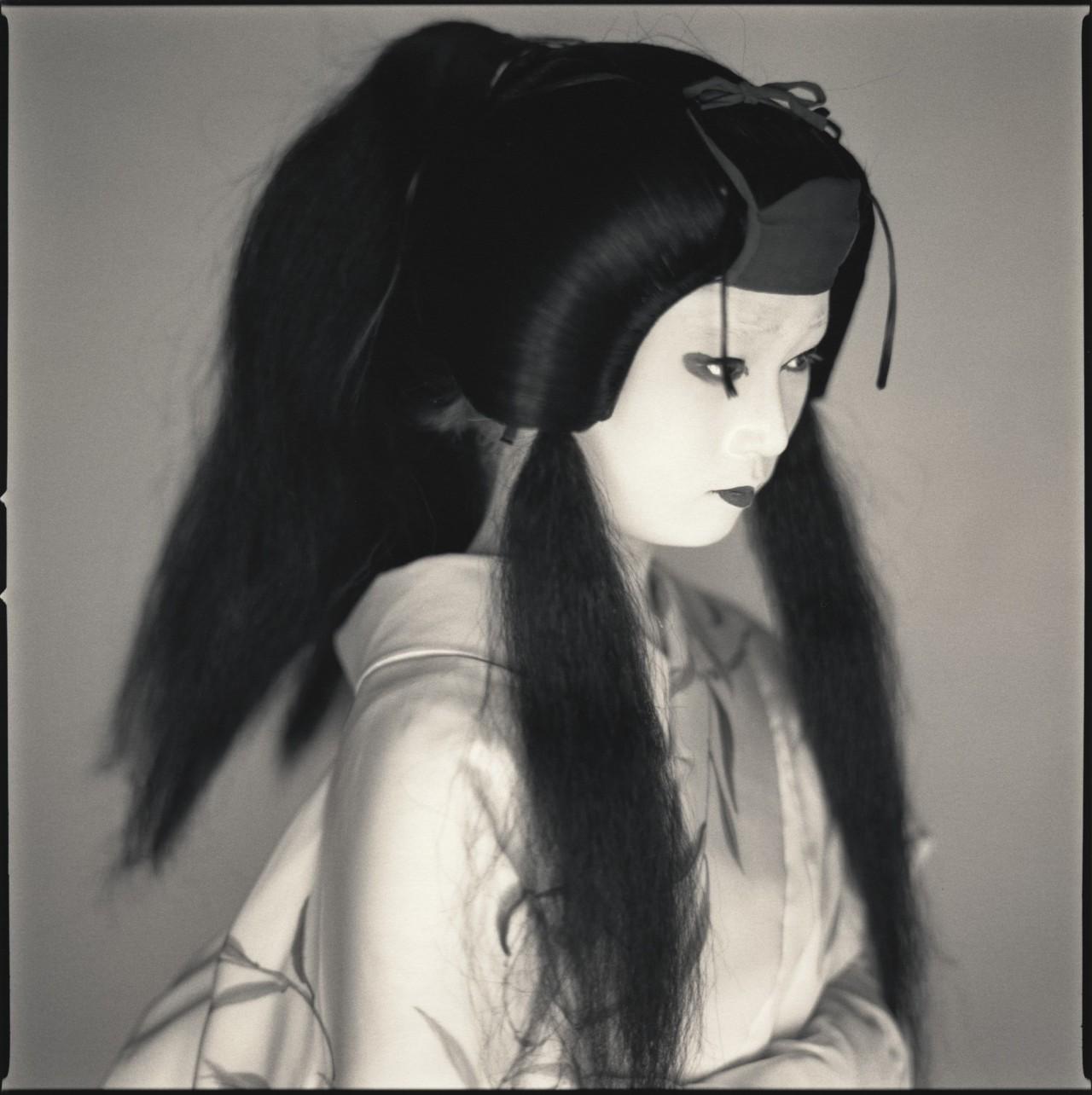Актёры кабуки. Майко Такаку в роли Янагосеи. Хироси Ватанабэ