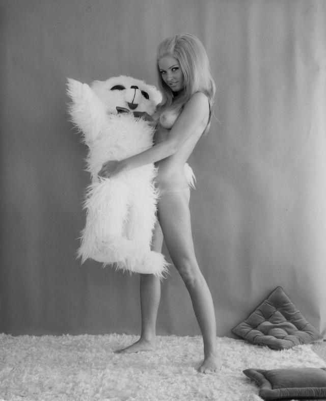 Динни Саттон, 1960-е. Банни Йеджер (1)