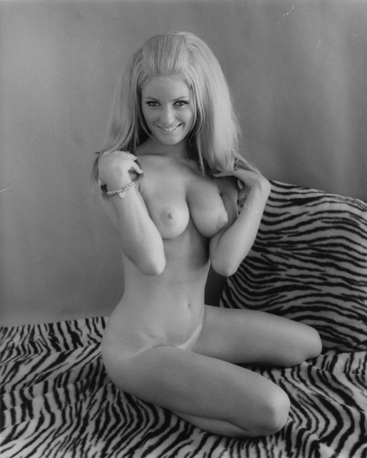 Динни Саттон, 1960-е. Банни Йеджер (7)