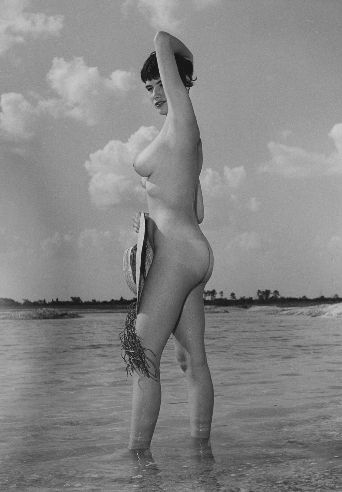 Донди Пенн, ню, 1963. Банни Йеджер (2)