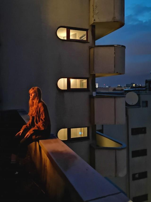 Категория «Мобильный фотограф». Ночной портрет. Берлин, Германия. Автор Агустин Фариас