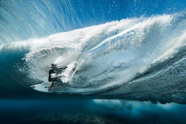 Победитель Red Bull Illume и победитель в категории «Энергия», 2019. Сёрфинг, Таити, Французская Полинезия. Автор Бен Туар