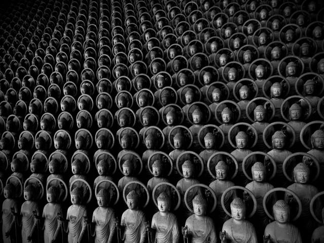 3 место в категории «Натюрморт», 2020. Статуи Будды-целителя (Якуси Нёрай), Симане, Япония. Автор Шинья Итахана