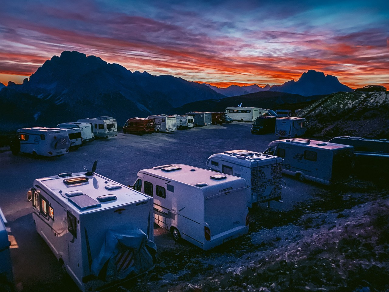 1 место в категории «Закат», 2020. Сумерки в Доломитах. Ауронцо-ди-Кадоре, Италия. Автор Лео Чан