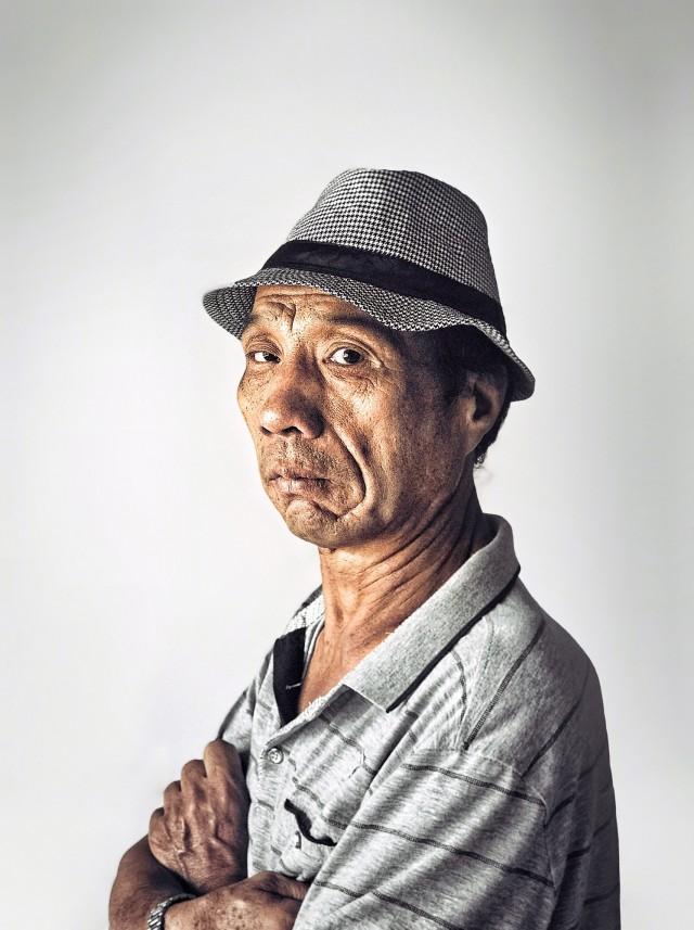 3 место в категории «Портрет», 2020. Необычная шляпа, Сямынь. Автор Лепинг Ченг