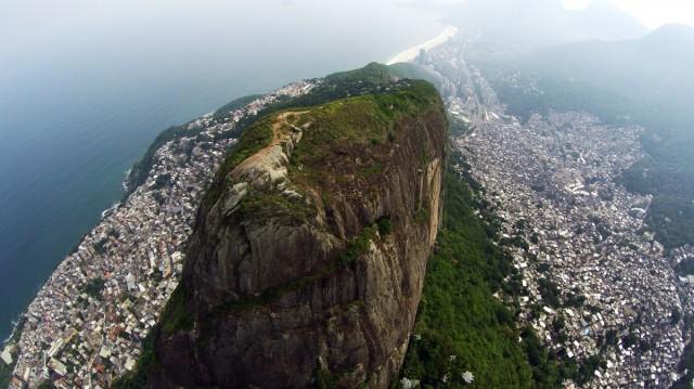 Трущобы в Рио-де-Жанейро. Фотограф Александр Салем