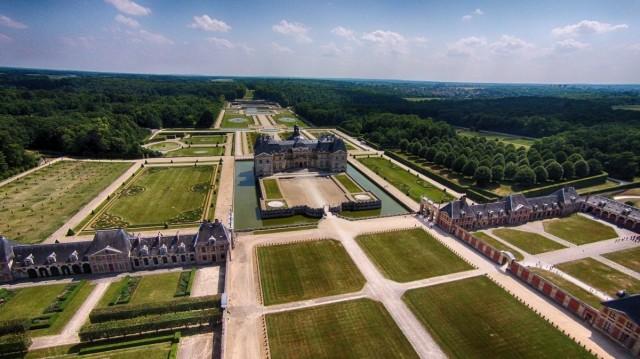 Усадьба-дворец Во-ле-Виконт в окрестностях Мелёна, Франция. Фотограф HEV
