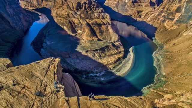 Хорсшу-Бенд – подковообразный меандр реки Колорадо в Аризоне, США. Фотограф Фрэнк Молнар