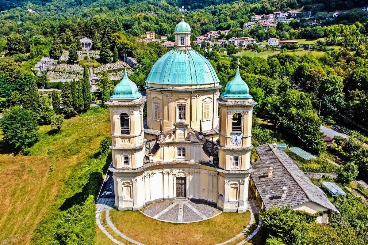Приход Виллар-Пероза, церковь Сан-Пьетро-ин-Винколи. Фотограф ULISSEDRONEINVOLO