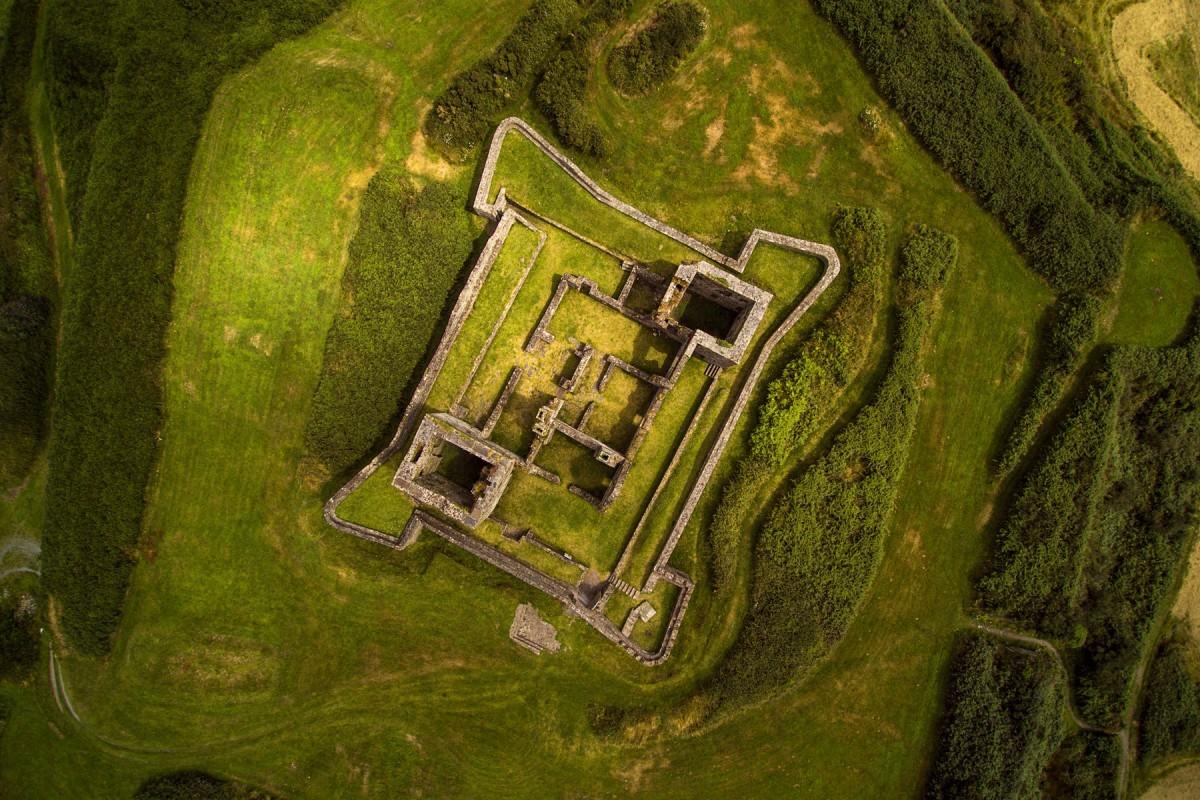 Руины форта, Кинсейл, графство Корк, Ирландия. Фотограф Carrigphotos