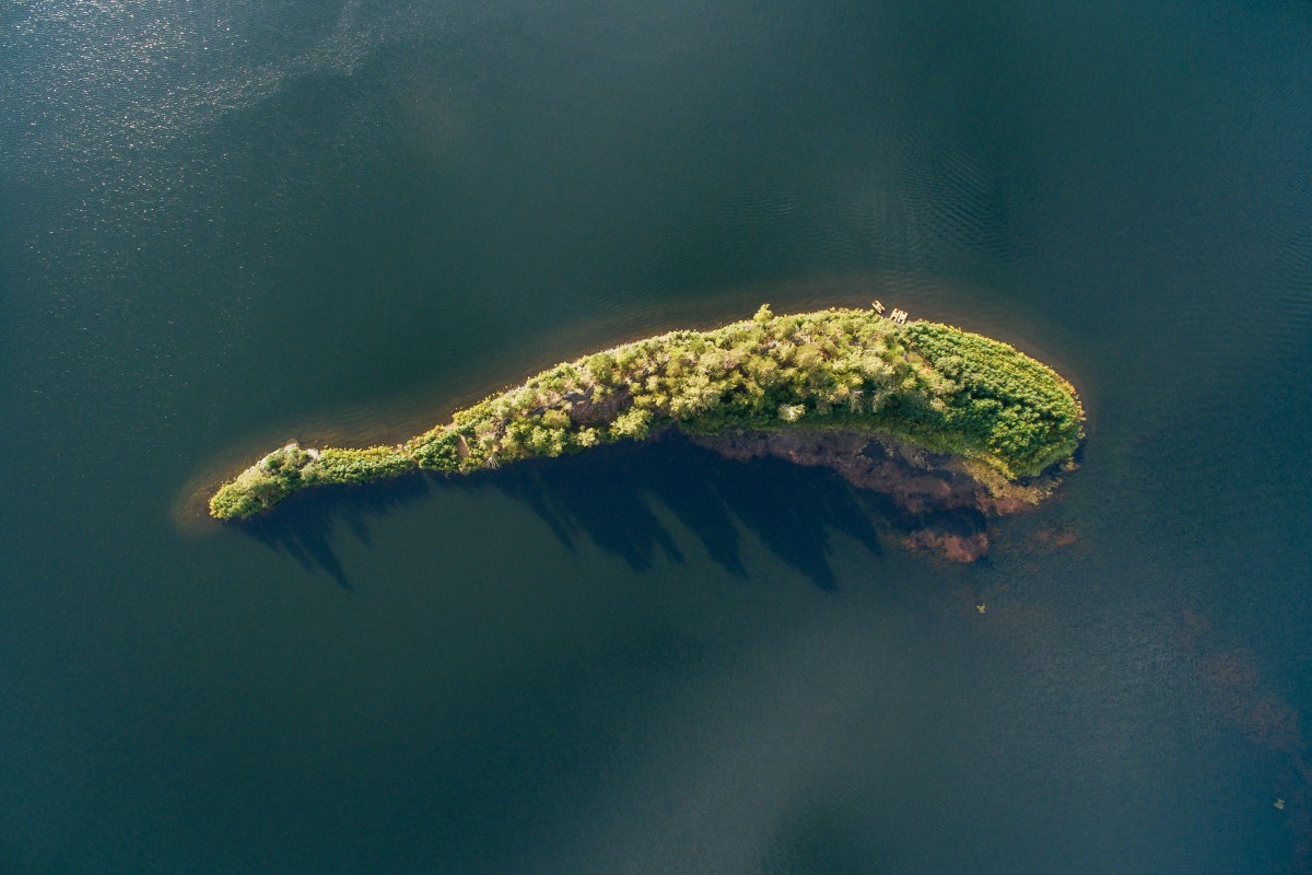 «Зелёный кит». Озеро Аракуль, Россия. Фотограф Максим Тарасов