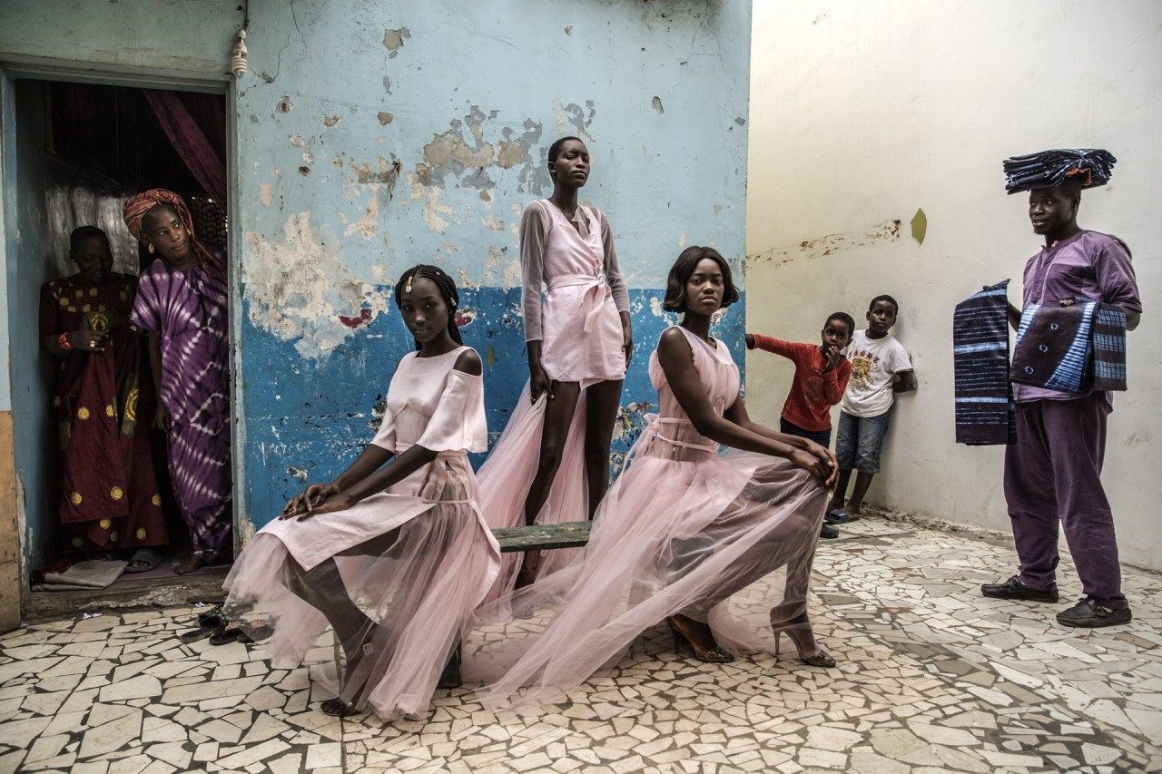 1 место в категории «Портреты», 2019. «Мода в Дакаре». Автор Финбарр ОРейли