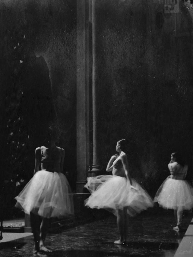 Поощрительная премия в категории «Чёрно-белое фото», 2020. «Прима-балерины». Автор Хизер МакАлистер