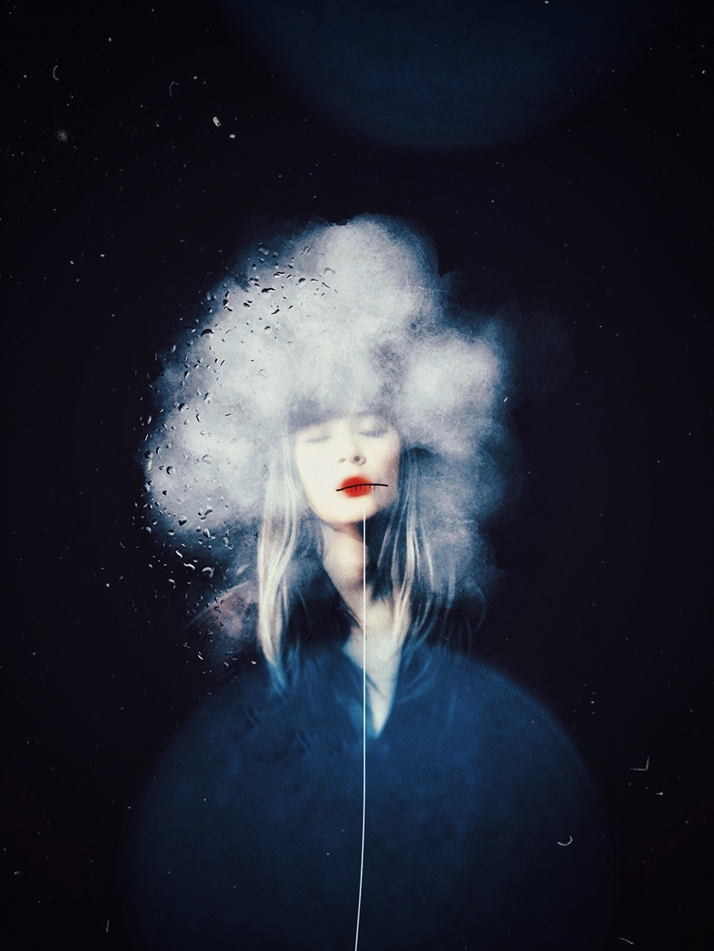 Победитель в категории «Автопортреты», 2019. «Крошечная голубая планета». Автор Элиза Бадойу