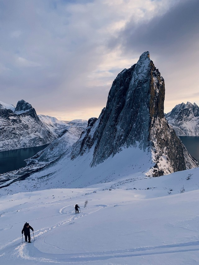 Победитель в категории «Путешествия и приключения (туристическая фотография)», 2019. Пеший туризм в Норвегии. Автор Хуапэн Чжао