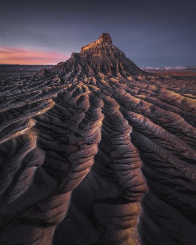 1 место в номинации «Пейзажный фотограф года» 2020. Национальный парк Капитол-Риф, штат Юта. Автор Кельвин Юэнь