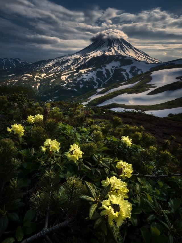 3 место в номинации «Пейзажный фотограф года» 2020. Вулкан Вилючинский на Камчатке. Автор Изабелла Табаччи