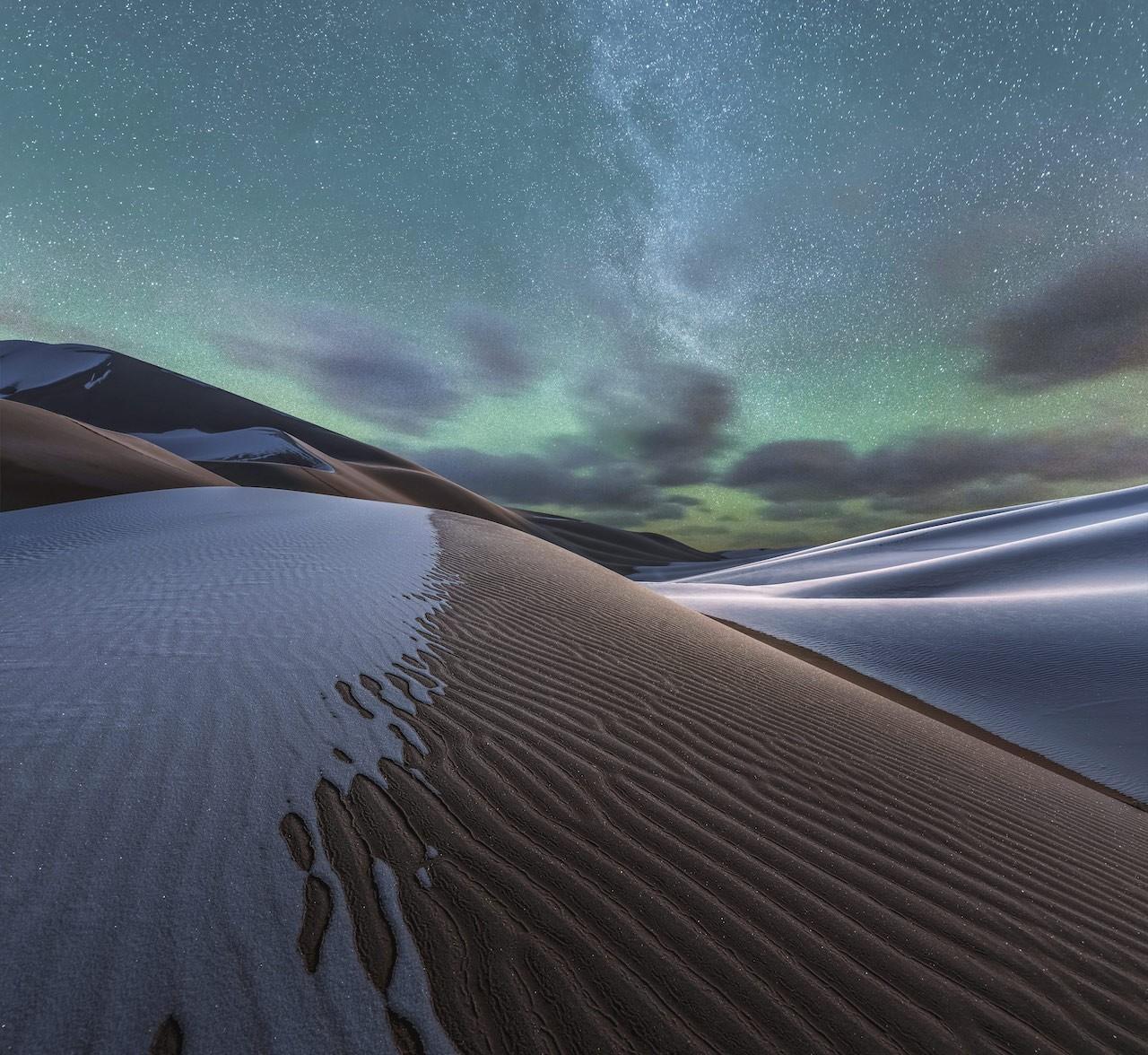 2 место в номинации «Пейзажный фотограф года» 2019. Звёзды, песок и снег. Автор Ян Гуан