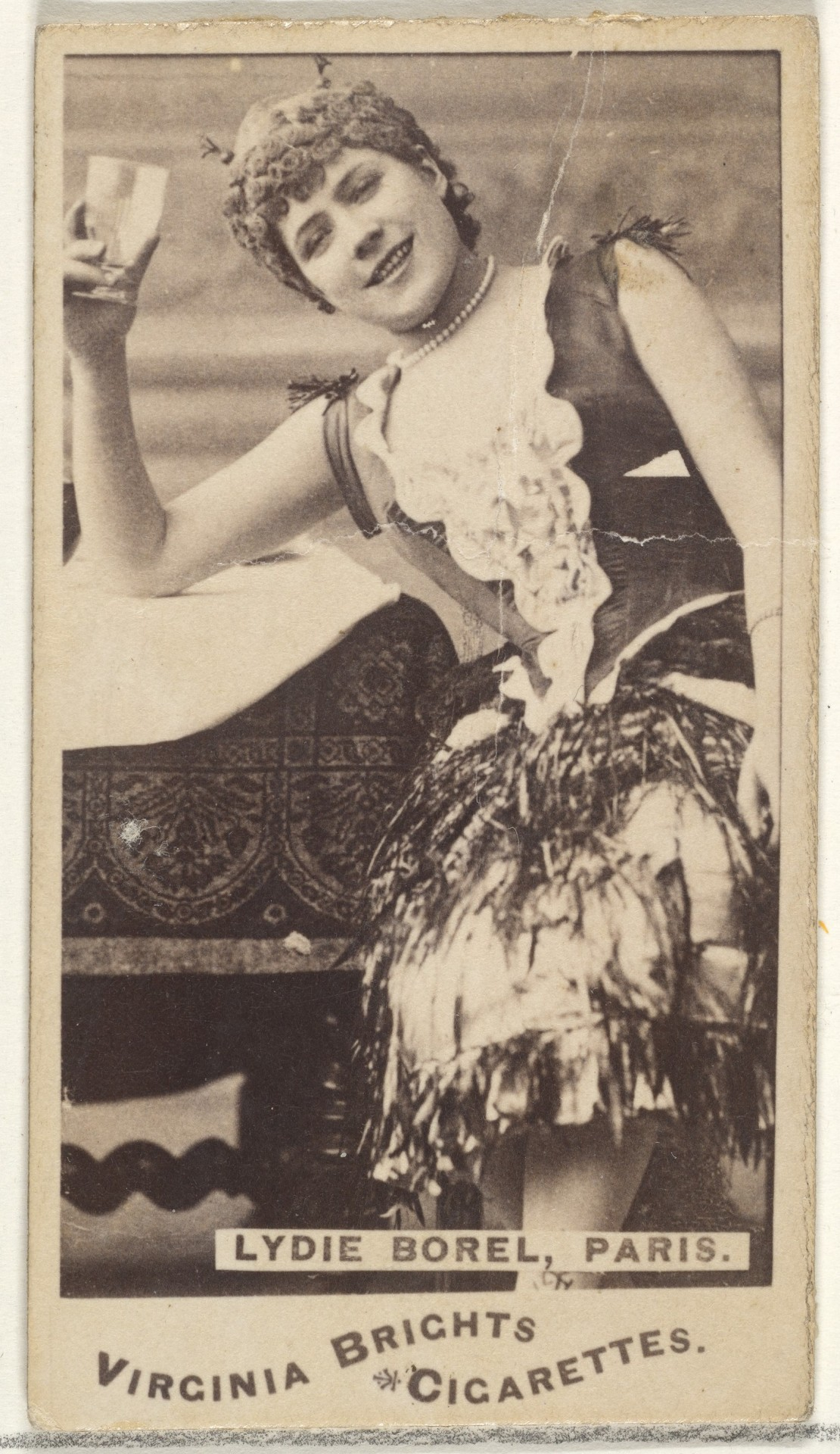 Лиди Борель, Париж, из серии торговых карточек «Актёры и актрисы» для сигарет Virginia Brights, 1888. Автор «Аллен и Гинтер»