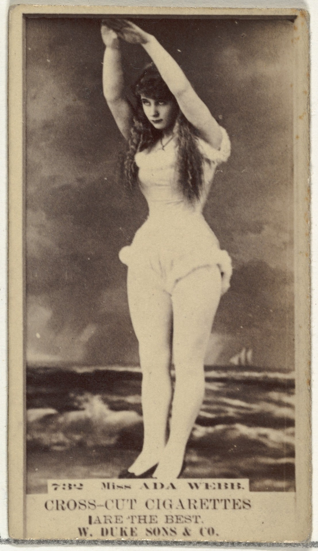 Мисс Ада Уэбб, торговая карточка из серии «Актёры и актрисы», выпущенной компанией «Дюк и сыновья» для продвижения сигарет, 1880-е