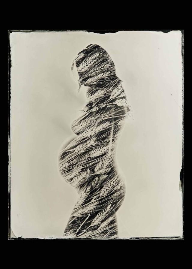 1 место в категории «Портрет в студии», 2019. «Беременность». Автор Джанни Эрос Кусумано