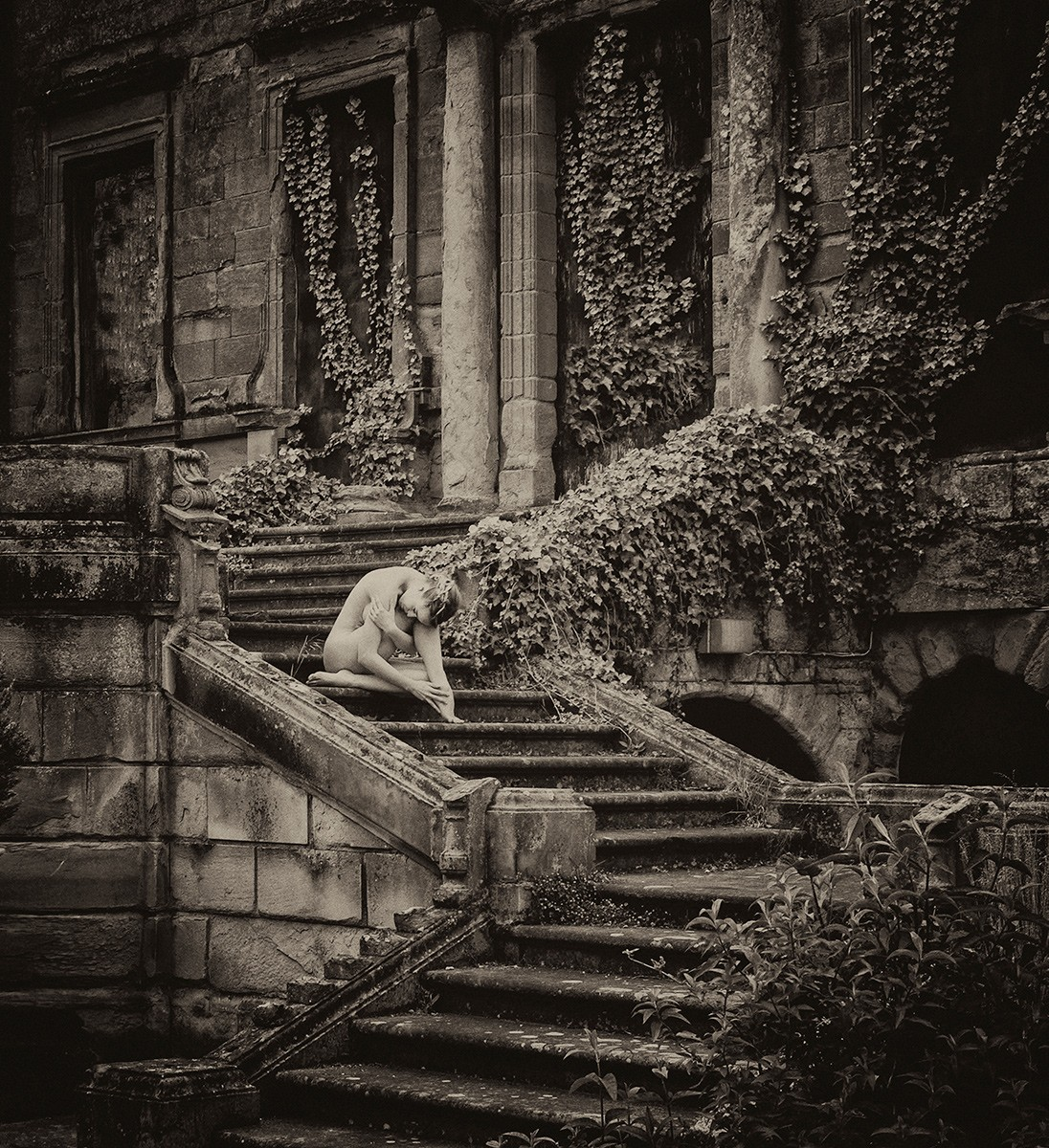 Обнажённая на ступенях. Авторы Тревор и Фэй Йербери
