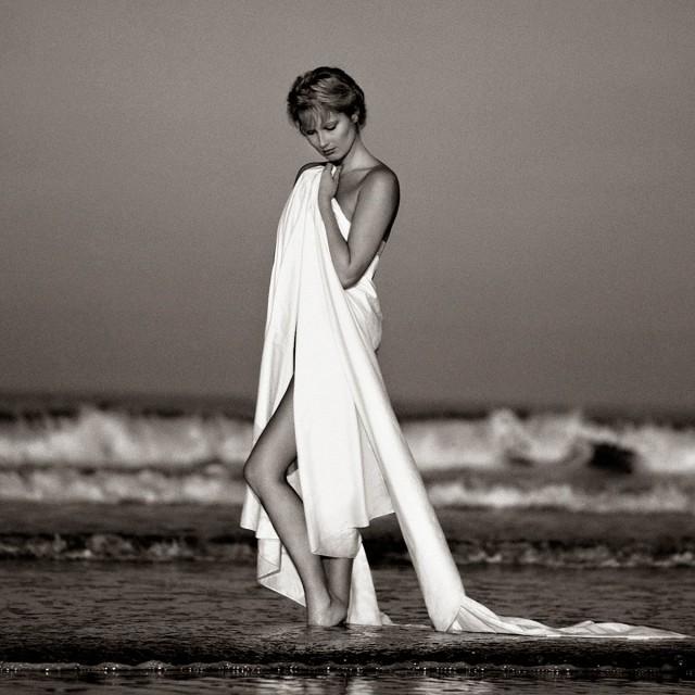 Рассвет на пляже. Авторы Тревор и Фэй Йербери
