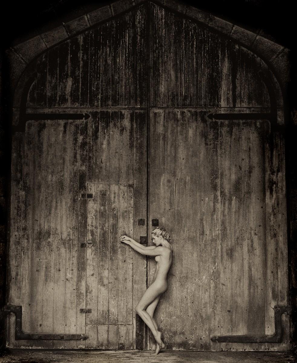 Хранительница двери. Авторы Тревор и Фэй Йербери