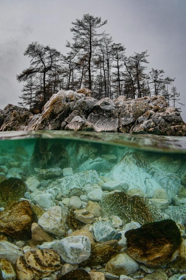 Финалист в номинации «Магия воды», 2021. Ноябрьский Байкал. Автор Дмитрий Кох