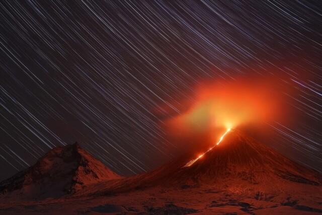 Финалист в номинации «Пейзаж», 2021. Извержение. Автор Евгения Черентаева