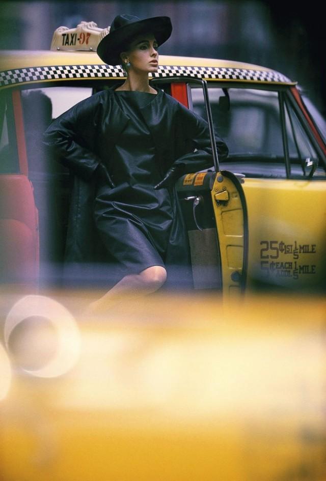 Такси, для журнала Vogue, Нью-Йорк, 1962 год. Фотограф Уильям Кляйн