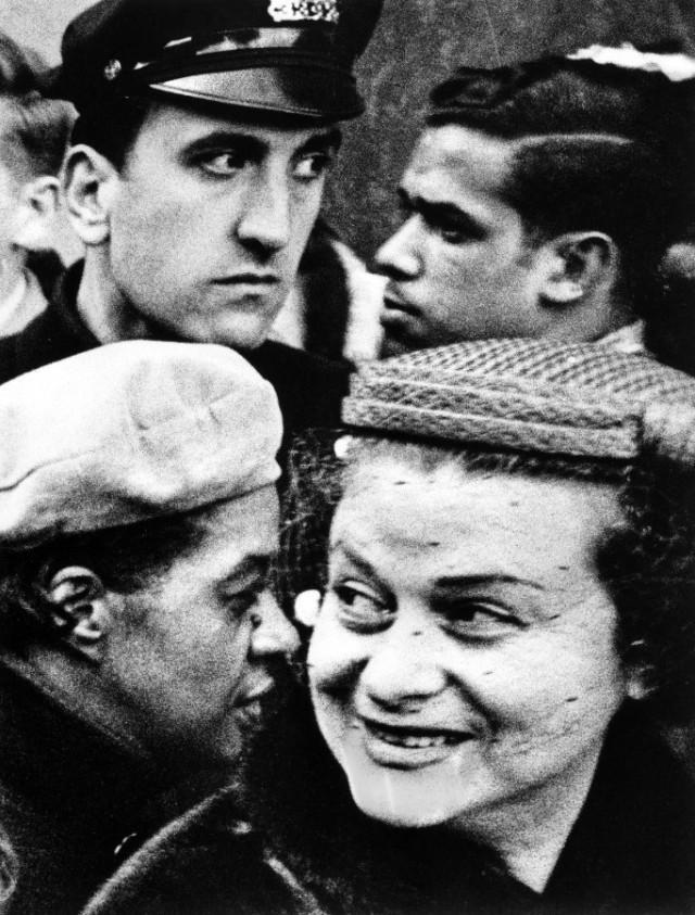 Четыре головы, Нью-Йорк, 1955 год. Фотограф Уильям Кляйн
