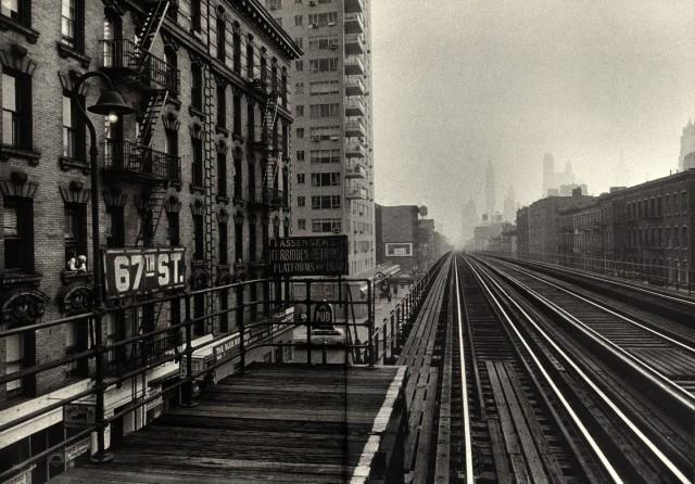 Железнодорожная станция, Нью-Йорк, 1955 год. Фотограф Уильям Кляйн