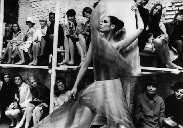 Показ мод, Нью-Йорк, 1965 год. Фотограф Уильям Кляйн