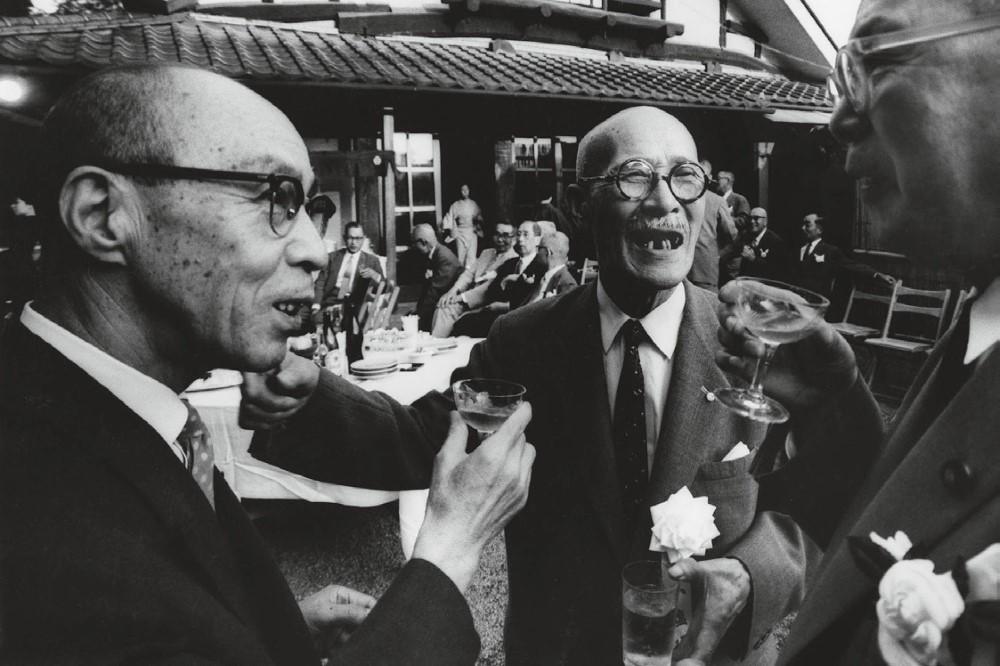 Церемония коктейля большого бизнеса, Токио, Япония, 1961 Год. Фотограф Уильям Кляйн