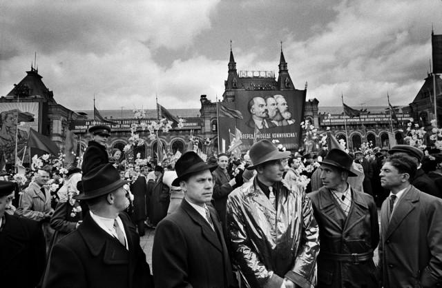 КГБ, Красная площадь, Москва, 1959. Фотограф Уильям Кляйн