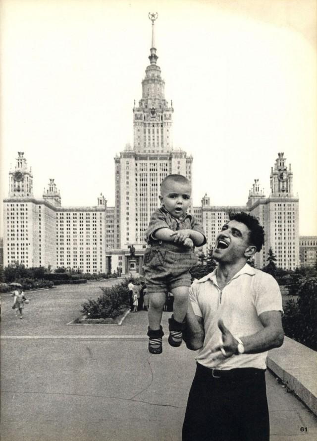 Москва, 1959 год. Из первого издания фотокниги 1964 года. Фотограф Уильям Кляйн
