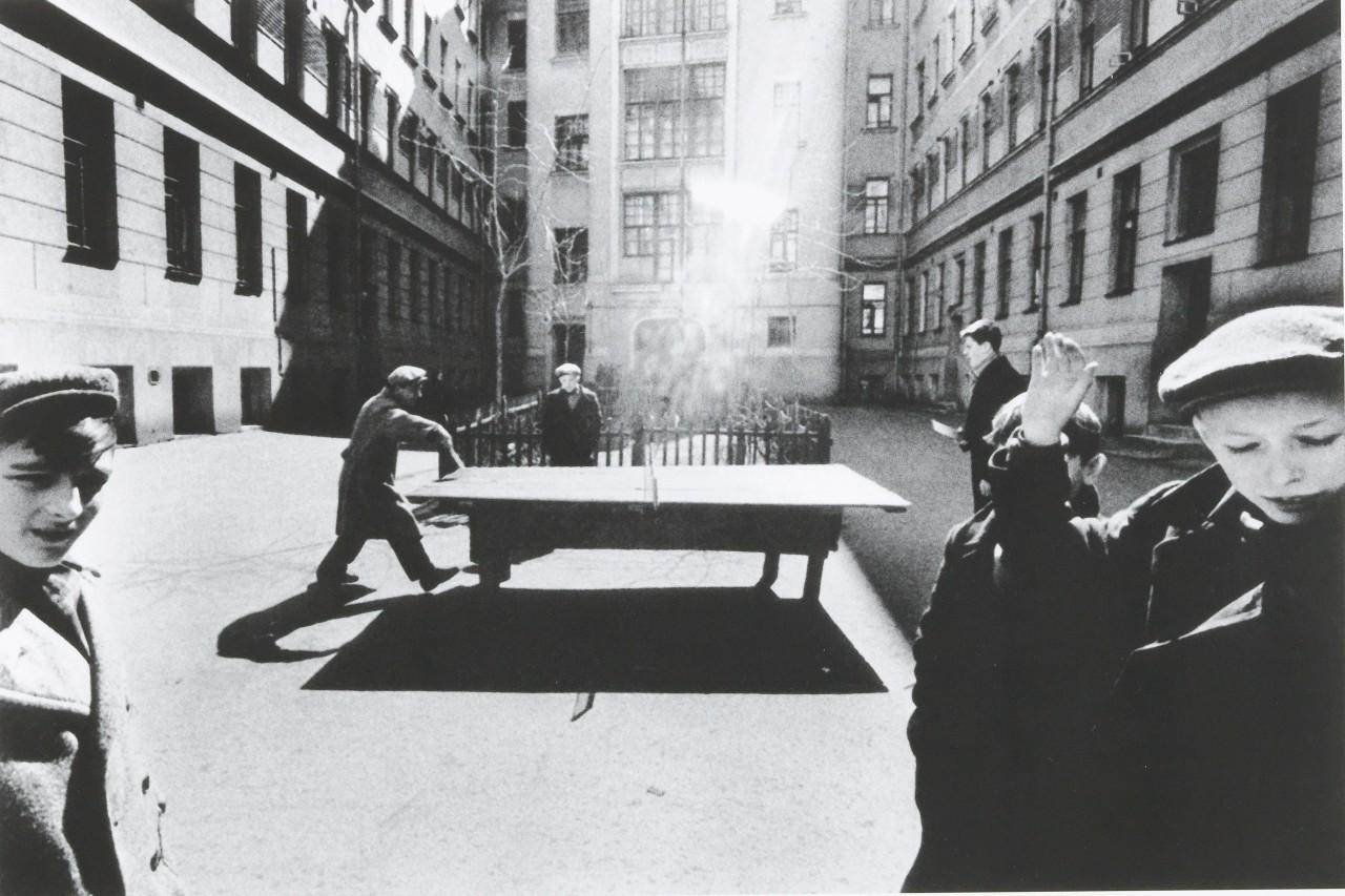 Пинг-понг, Москва 1960 год. Фотограф Уильям Кляйн