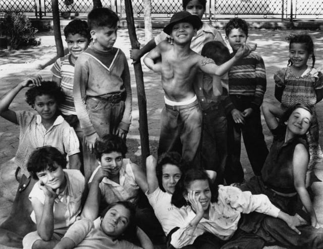 Дети Нью-Йорка, 1955 год. Фотограф Уильям Кляйн