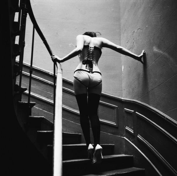 На лестнице. Авто Эллен фон Унверт