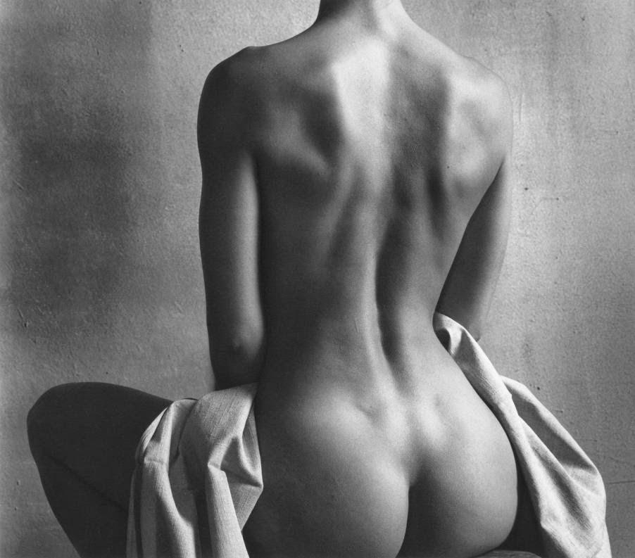 Сидящая обнажённая. Автор Кристиан Коиньи