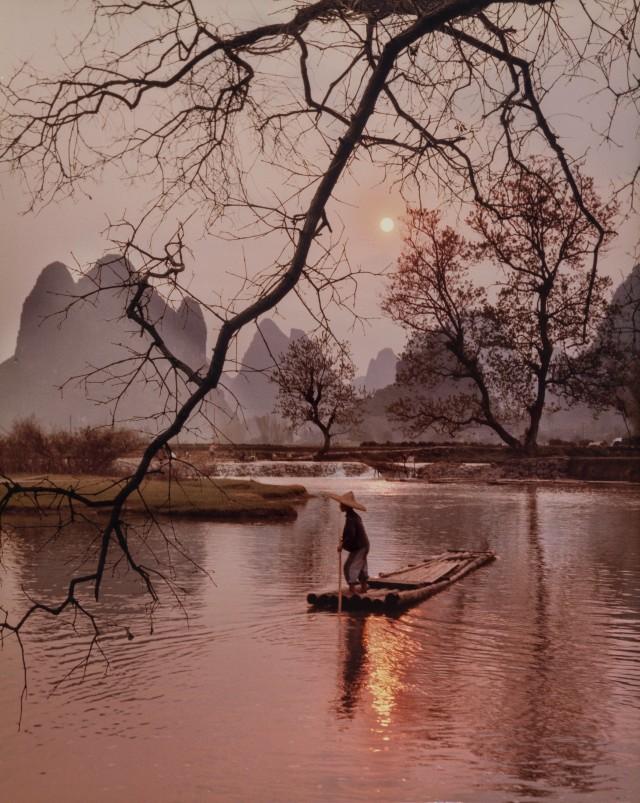Рыбацкая лодка, 1984. Фотограф Дон Хонг-Оай
