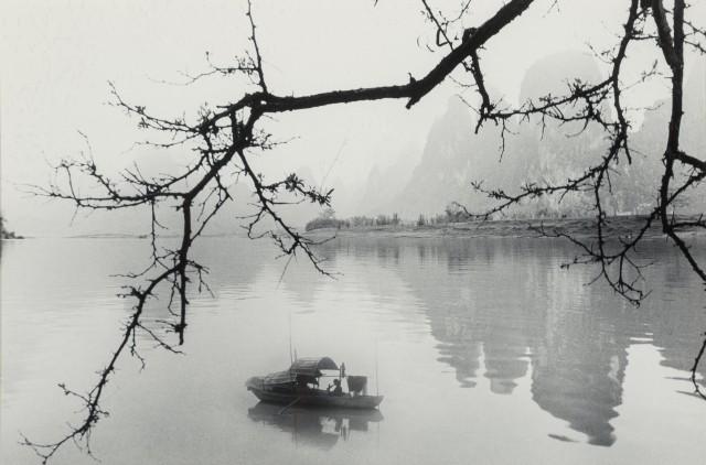 На реке, 1984. Фотограф Дон Хонг-Оай