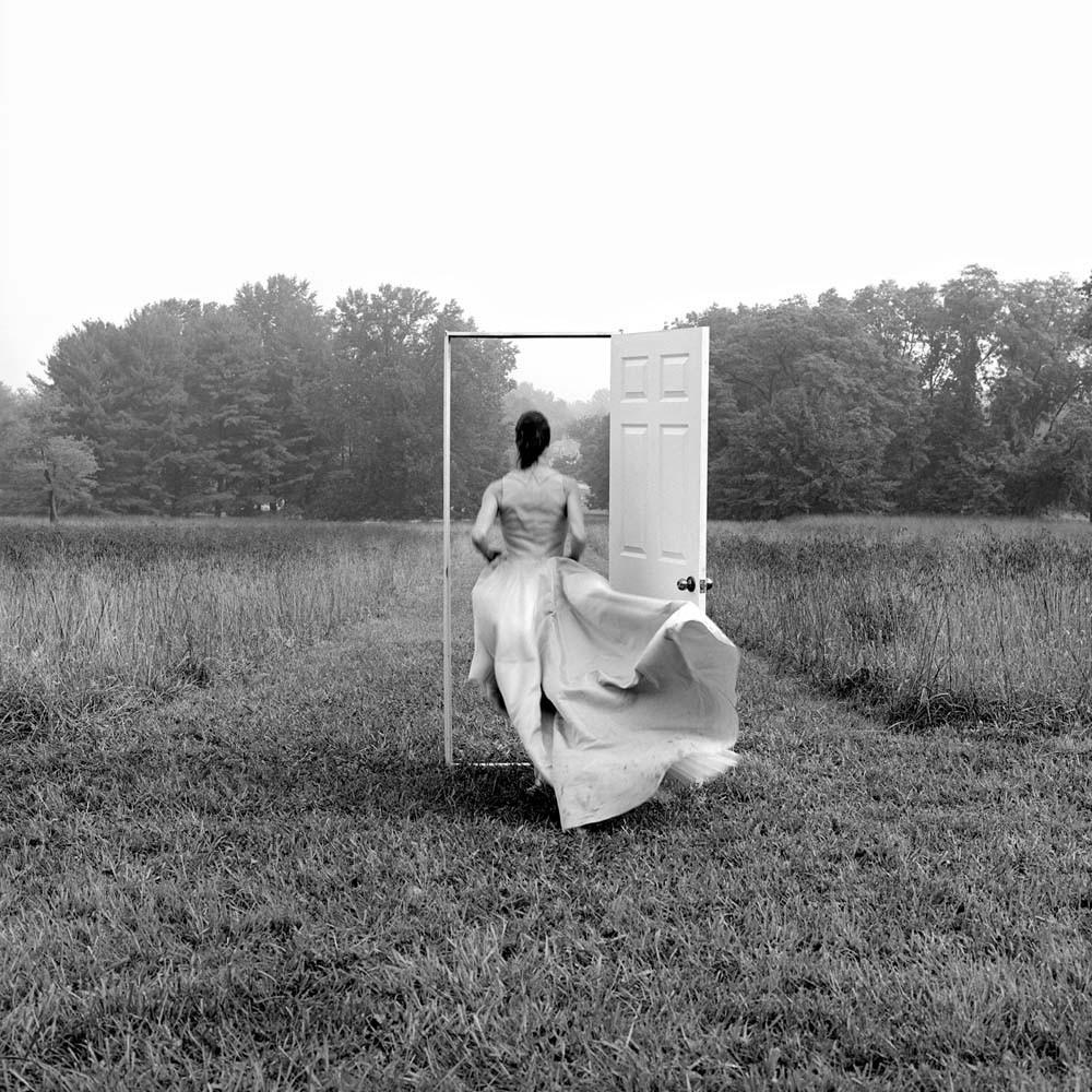 Кэролайн и открытая дверь, Монктон, Мэриленд, 1999. Автор Родни Смит