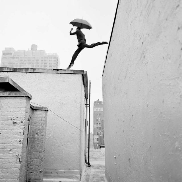 Рид, прыгающий по крышам, Нью-Йорк, 2007. Автор Родни Смит