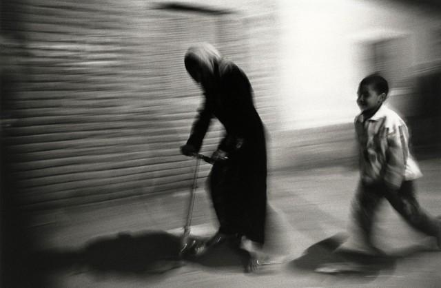 Уличное движение, Гиза, Египет. Автор Уолтер Ротуэлл