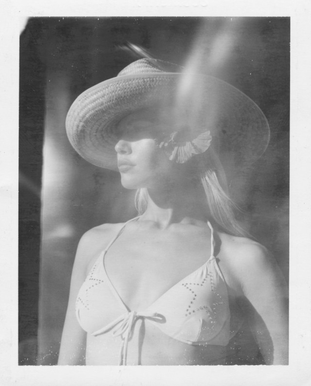 «Полароиды женщин». Автор Дьюи Никс (3)