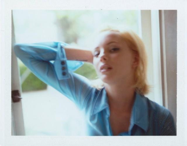 Джейми Ришар у окна. Автор Дьюи Никс