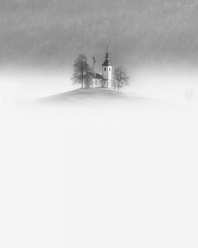 «Церковь». 2 место в категории «Файн-арт». Автор Алесь Кривец