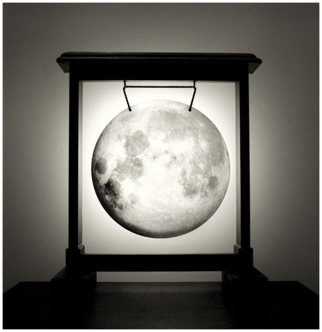 Луна в гонге, 2008. Автор Чема Мадоз